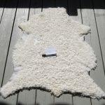 Vita lammskin och fårskinn